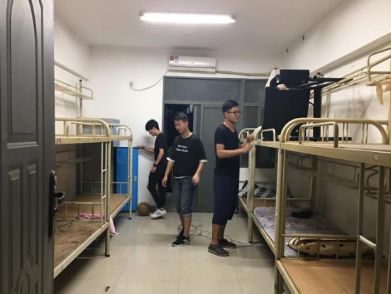 创意设计学院毕业班宿舍卫生清理志愿活动